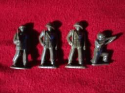 4 Miniaturas de Bonecos Militares