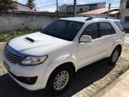Toyota Hilux SW4 Branca 2013 - 2013
