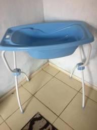 Banheira de bebê com pé