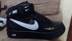 Basqueteiras Nike Air ( 38 ao 43 ) -- 2 Cores Disponíveis