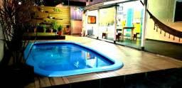Casa Temporada Bombinhas SC. 15 pessoas, com piscina, ar condicionado,