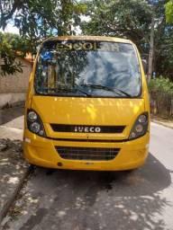 Micro ônibus Iveco 70C16 ano 2011/2012