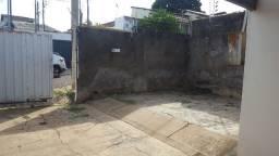 Vendo Casa no Bairro Araés, 150 m² de Área Construída