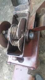 Vendo Picadeira de capim ,usada e sem motor,TEL e ZAP:99942.8100