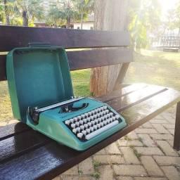 Decore o seu ambiente Maquina de escrever antiga - antiguidade