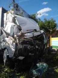 Caminha sucata Mercedes axor