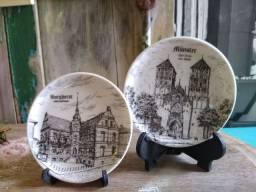 Antigo pratos de porcelana