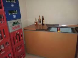Freezer e vasilhames de refrigerante