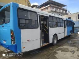Ônibus Mercedes f1722 ano  2008/