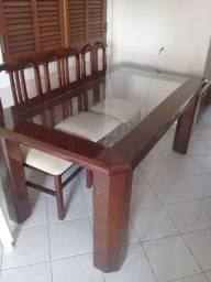Mesa de Mogno sem cadeiras