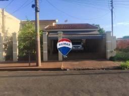 Casa com 2 quartos para alugar, por R$ 1.366/mês - Vila Margarida - Ourinhos/SP