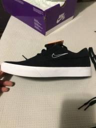 Tênis Nike SB Shane preto tamanho 39