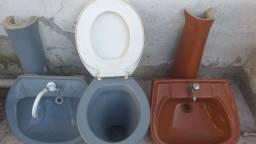 Título do anúncio: Vaso sanitário e pia