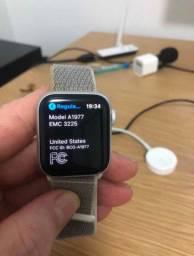 Apple Watch 4 - 40 MM Prata