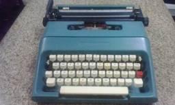 Máquina De Escrever Olivetti, Ano 1980. Leia a Descrição.
