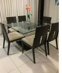 Mesa com 6 cadeiras completa