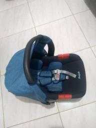 Título do anúncio: Bebê Conforto Burigoto Semi novo.