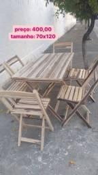 Conjunto de mesas de madeiras dobráveis