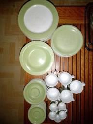 Jogo verde água e branco de jantar , café, sobremesa e chá de porcelana Schimidt