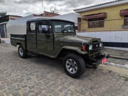Toyota Bandeirante verde exército 2001/2001