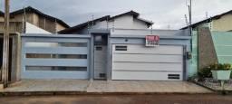 Vende-se casa com 1 suíte, 2 quartos e piscina no residencial Buriti em Itaituba/PA.