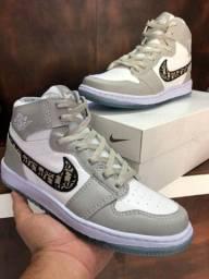 Tênis Nike Air Jordan 1 Retro High Dior -