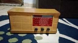Rádio antigo de madeira Marca Marin