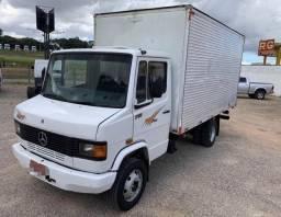 Caminhão Mercedes-Benz Mb 710 Baú ( Urgente )