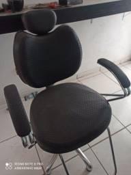 Título do anúncio: Cadeira cabeleireira