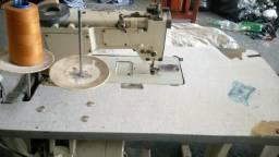Maquina de costura jeans. Interlock uma Ptf e uma alternda.