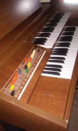 Órgão Eletrônico Tamye