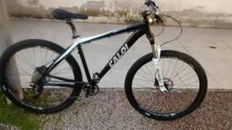 Bike pouco rodada aceito troca