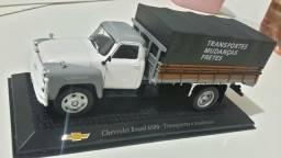 Miniatura caminhão chevrolet Brasil 6500