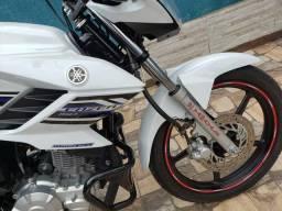 Vendo moto Yamara Fazer 150 SED ano 2014 Flex ( tratar pelo fone  wats - 2014