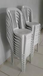 Cadeiras plásticas - barbada