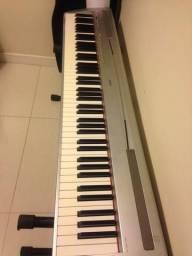 Digital piano P-85 Yamaha