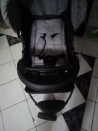 Carrinho de bebê 250 reais semi novo