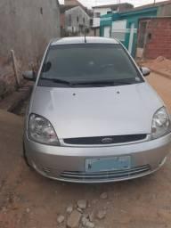 Vendo um Fiesta. sedã 2005 completo 1.6 contato * - 2005