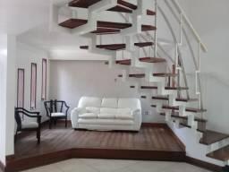 Excelente casa duplex, com 3/4, sendo uma suite com closet + dependência-Santa Mônica