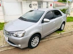 Toyota Etios sedan XLS 1.5 flex apenas 69000 km