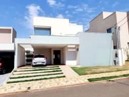 Sobrado no Condomínio Setvillage I, Campo Grande, MS.