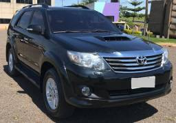 Toyota Hilux SW4 3.0 4x4 5 lugares Diesel Modelo 2012