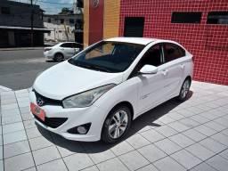 Hyundai - HB20S Premium  1.6 automático