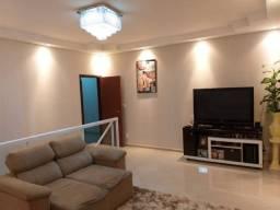 Casa com 03 dormitórios  Pousada dos Campos 3. (Cód:213)