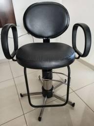 Vendo Cadeira de corte Hidráulica para Salão de Beleza e Barbearia