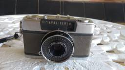 Máquina fotográfica antiga Olympus EES-2