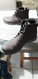 Tênis bota
