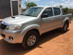 Toyota Hilux STD 3.0 4x4 diesel