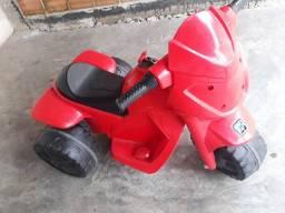 Título do anúncio: Carrinho infantil eletrico 250$