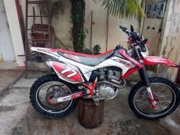 CRF 230 ANO 2014/15 R$ 10.500,00